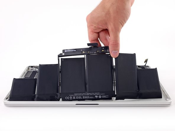 apple-macbook-battery-in-surat